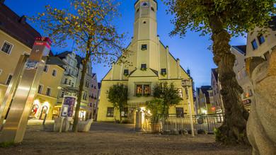 Altes Rathaus Weiden mit Steintier